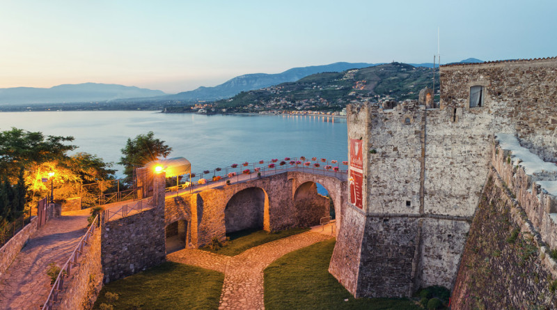 Castello-angioino-aragonese