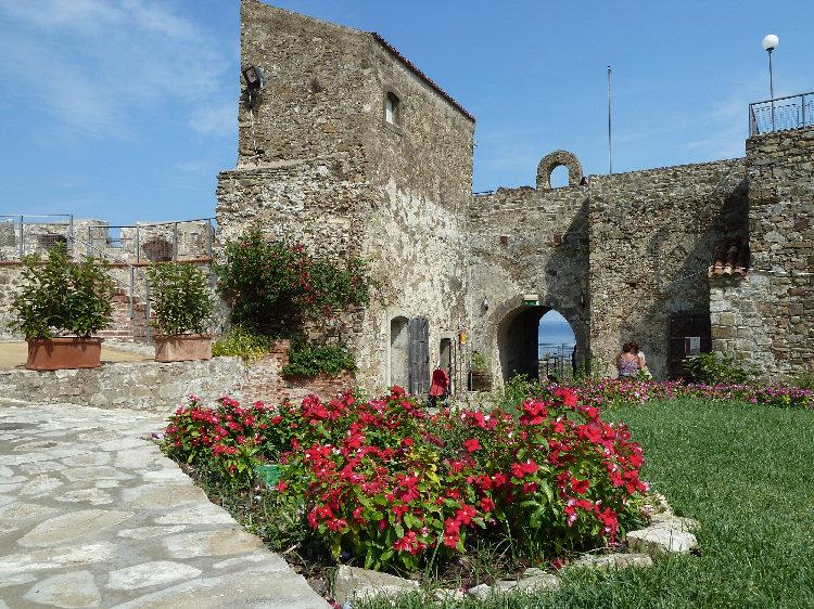Ingresso-al-Castello-di-Agropoli