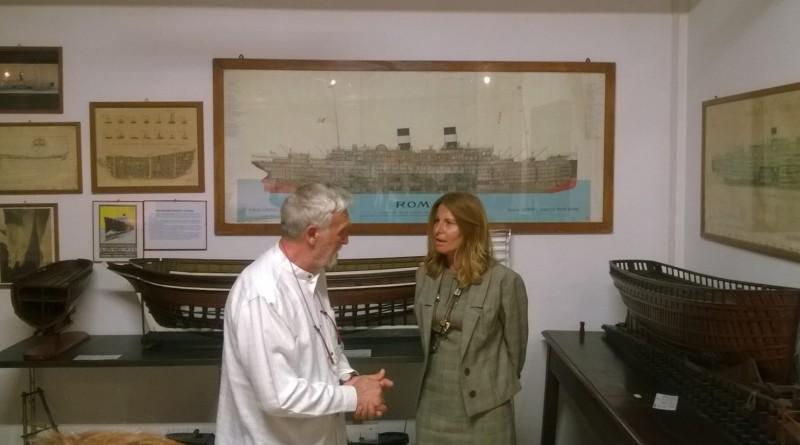 assessore Villani con direttore Mussari_Museo del mare_2